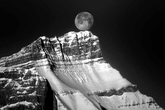 Mt. Rundle, Moon on Top, Banff